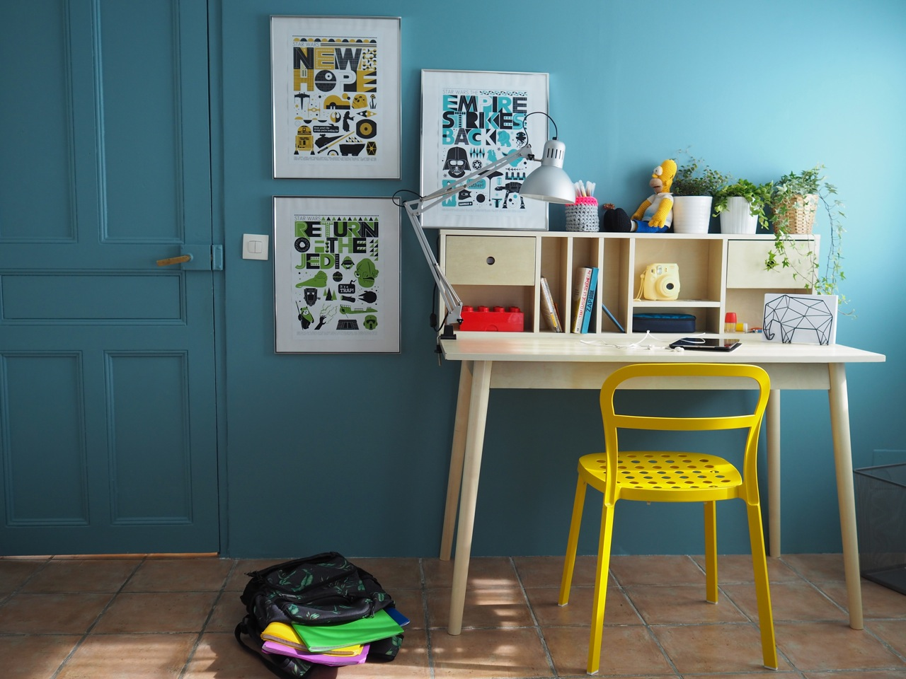 une demie ann e scolaire et le bureau d 39 ado ritalechat. Black Bedroom Furniture Sets. Home Design Ideas