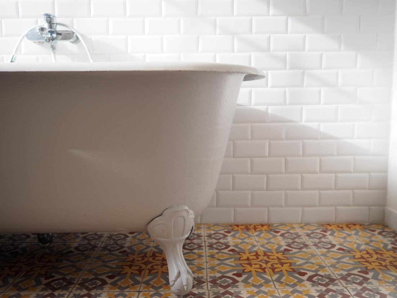 Salle de bain ancienne retro for Salle bain retro