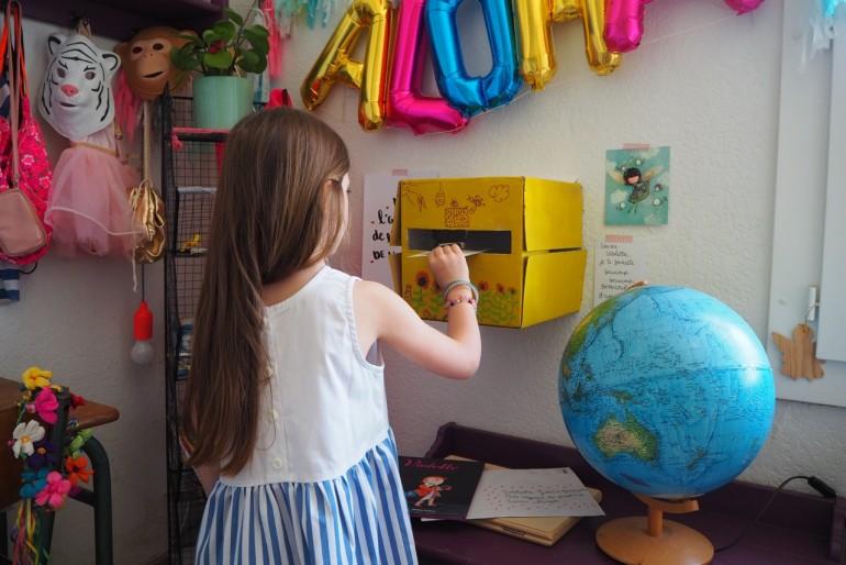 Fabrique ta boite aux lettres avec Violette.